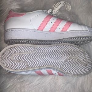 Adidas Superstar Pink Size 6 1/2 Boys (USED)